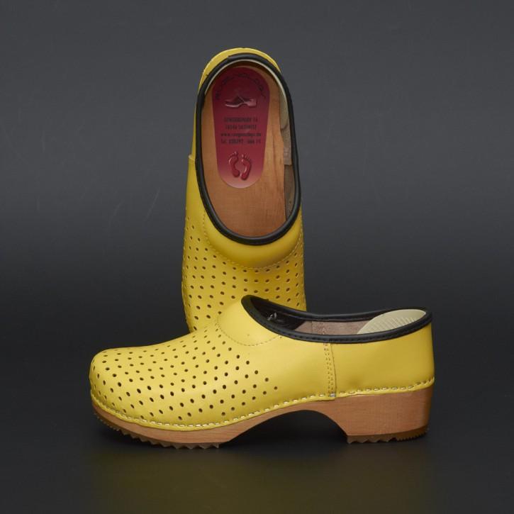 Clogs Holzkaps gelb Luftlöcher