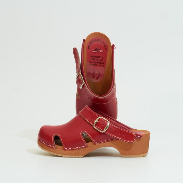 Kinderholzclogs mit Fersenriemen rot & Luftlöcher